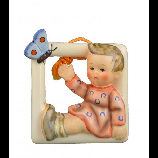 A-Hum-139-Wandbild-Kind-mit-Schmetterling